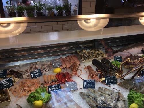 Al ristorante pescheria con cottura i nuovi piatti di alberto
